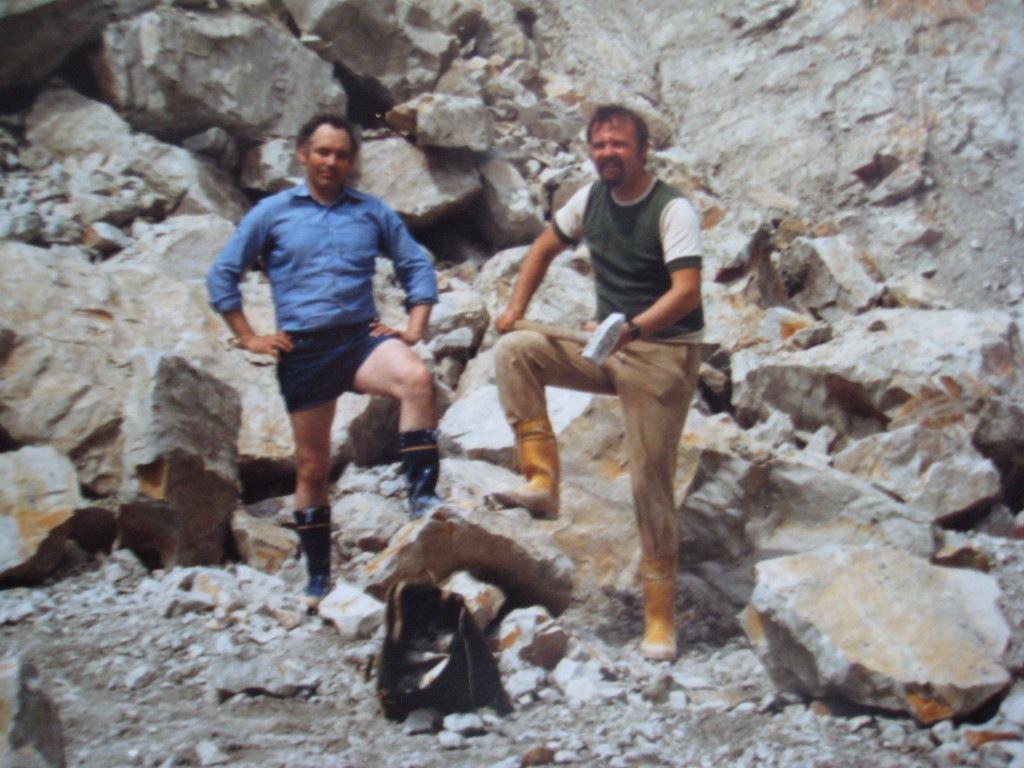 1977 begann unser hobby mit den fossilien wir fanden in dänemark den